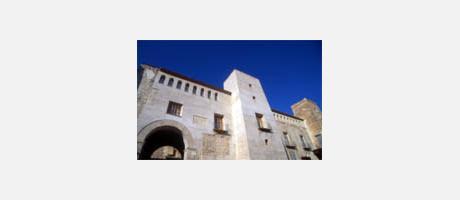 Img 1: CASTLE-PALACE OF THE MILÁN DE ARAGÓN FAMILY (MARQUISES OF ALBAIDA)