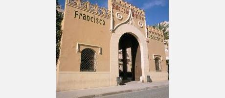 Fachada de la Antigua Fábrica de Francisco Valldecabres