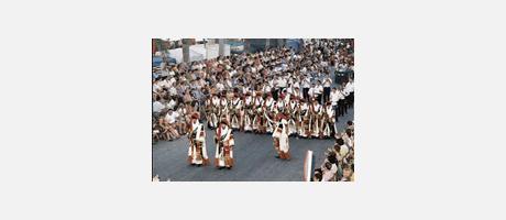 Img 1: Moros i cristians en honor a Santa Marta