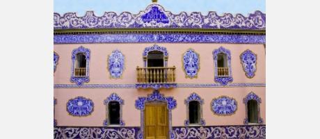 """Img 1: Fachada de la Antigua Fábrica de Cerámica Juan Bautista Huerta Aviñó, """"El Arte"""""""