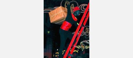 Paje de la cabalgata de Reyes en Alcoi