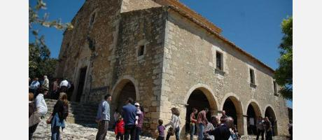 Img 1: Romería a la ermita de Santa Elena en Ares del Maestrat.