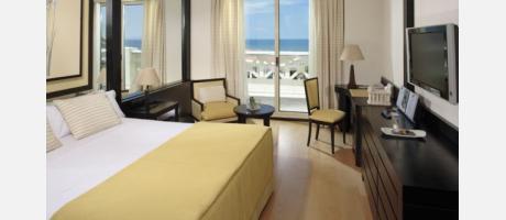 Una habitación con vistas al mar