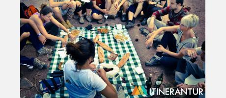 Almorzando: Aquí no hemos venido para sufrir… ¡y TODO local! con Itinerantur
