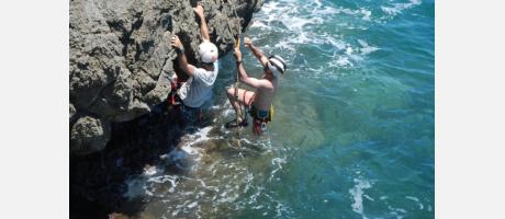 Coasteering con Desgrimpades