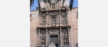 Fachada de la iglesia de la Asunción