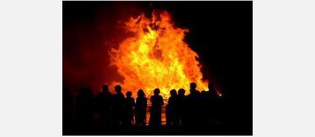 Imagen de una hoguera de San Antonio