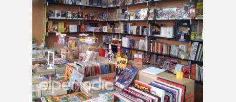 Fotografía de uno de los puestos de venta de libros