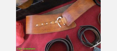 Cinturones y hebillas