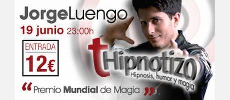 Fotografía del Jorge Luengo con el nombre del espectáculo.