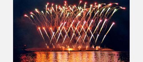 Imagen fuegos artificiales fiestas
