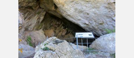Entrada Cueva Negra Montanejos