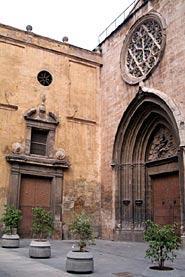 Img 1: THE PARISH CHURCH OF SAN NICOLÁS DE BARI AND SAN PEDRO