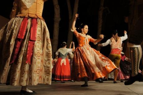 Traditional dance in Benissa