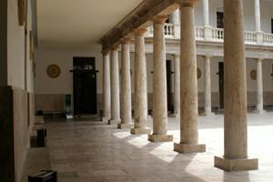 Nits de cinema en el claustro de la Nau. Universitat de València