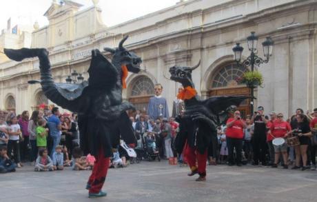 Die verrücktesten Dämonen, die Bestiari von Botafocs, feiern ihr 20-jähriges Bestehen!