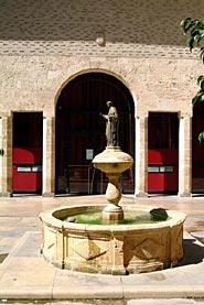 Edifici de l'Antic Almodí