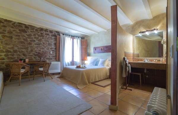 Qu ver en vilafam s turismo en la comunidad valenciana for Jardin vertical castellon