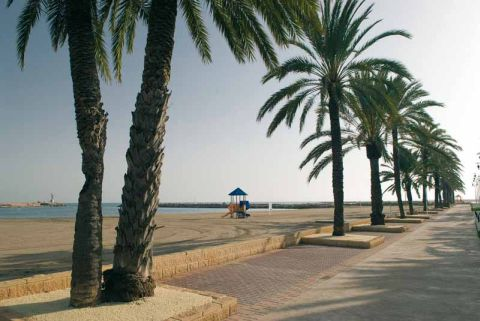 PLAYA DE POBLA MARINA (South Beach)