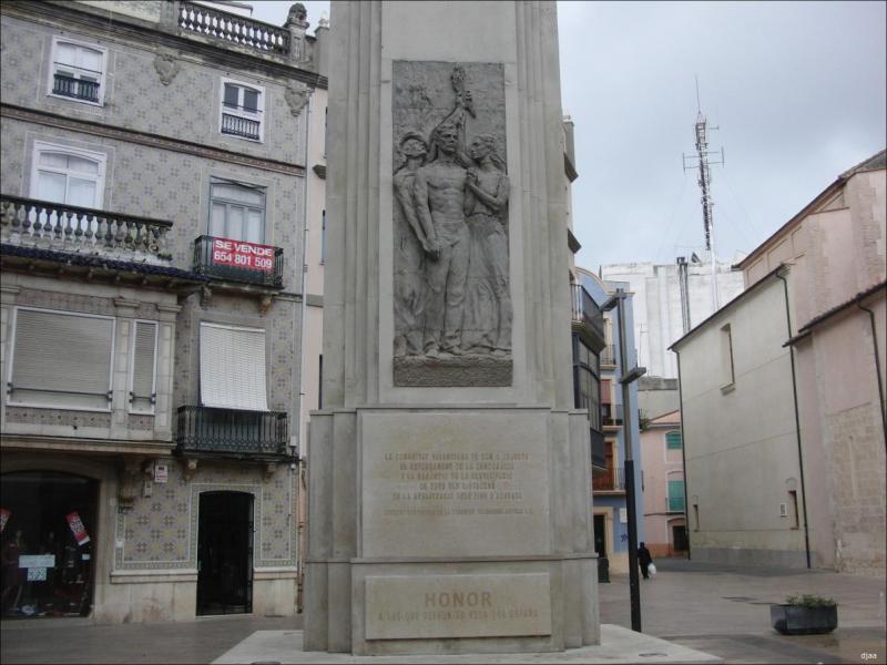 Monumentos a La Constitución y a Jaume I