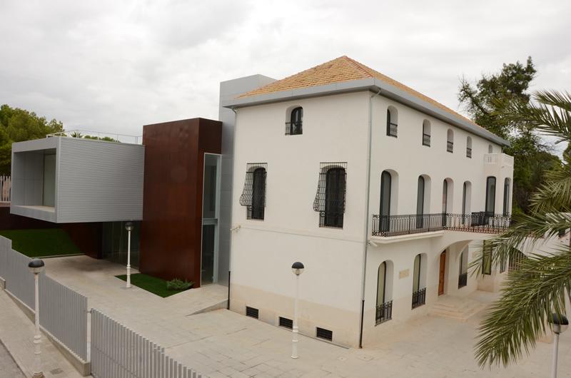 """Musée D'Art et Science Contemporaine """"Casa Museo Parc Nou"""""""