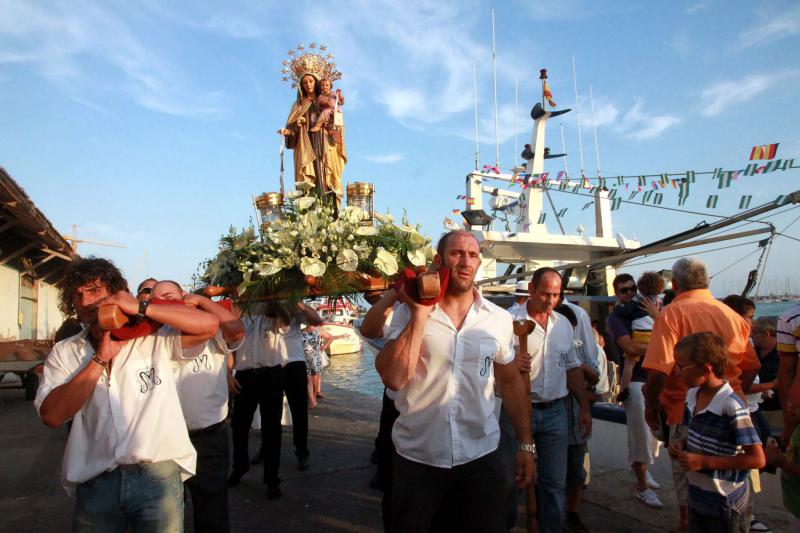 Festivities of the Carmen Virgin